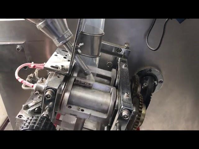 PLC ohjaa vaakasuoraa kaksoispussipulloa